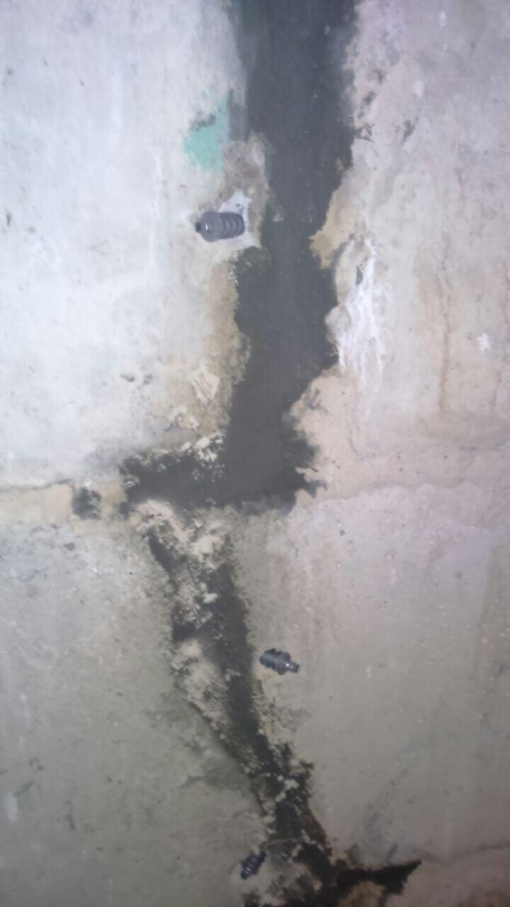 Рис 8 Рабочий процесс инъецирование трещин на строительным объекте