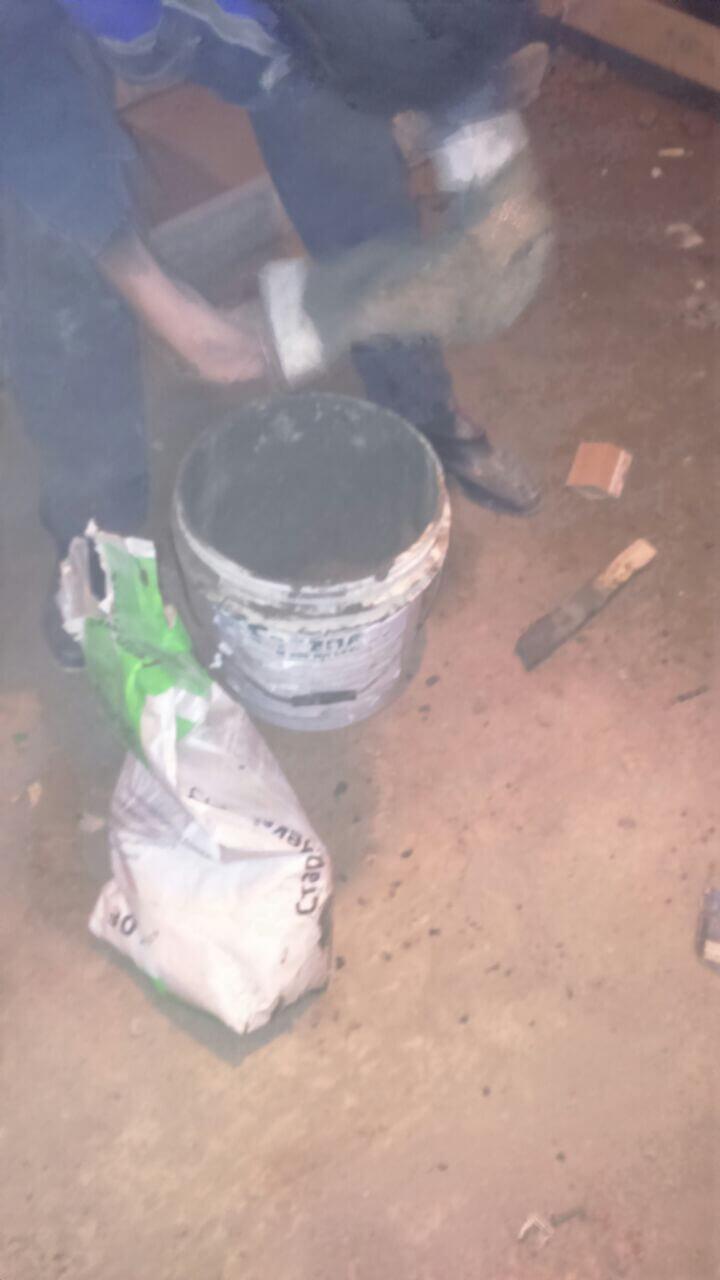 Рис 12 Рабочий процесс инъецирование трещин на строительным объекте